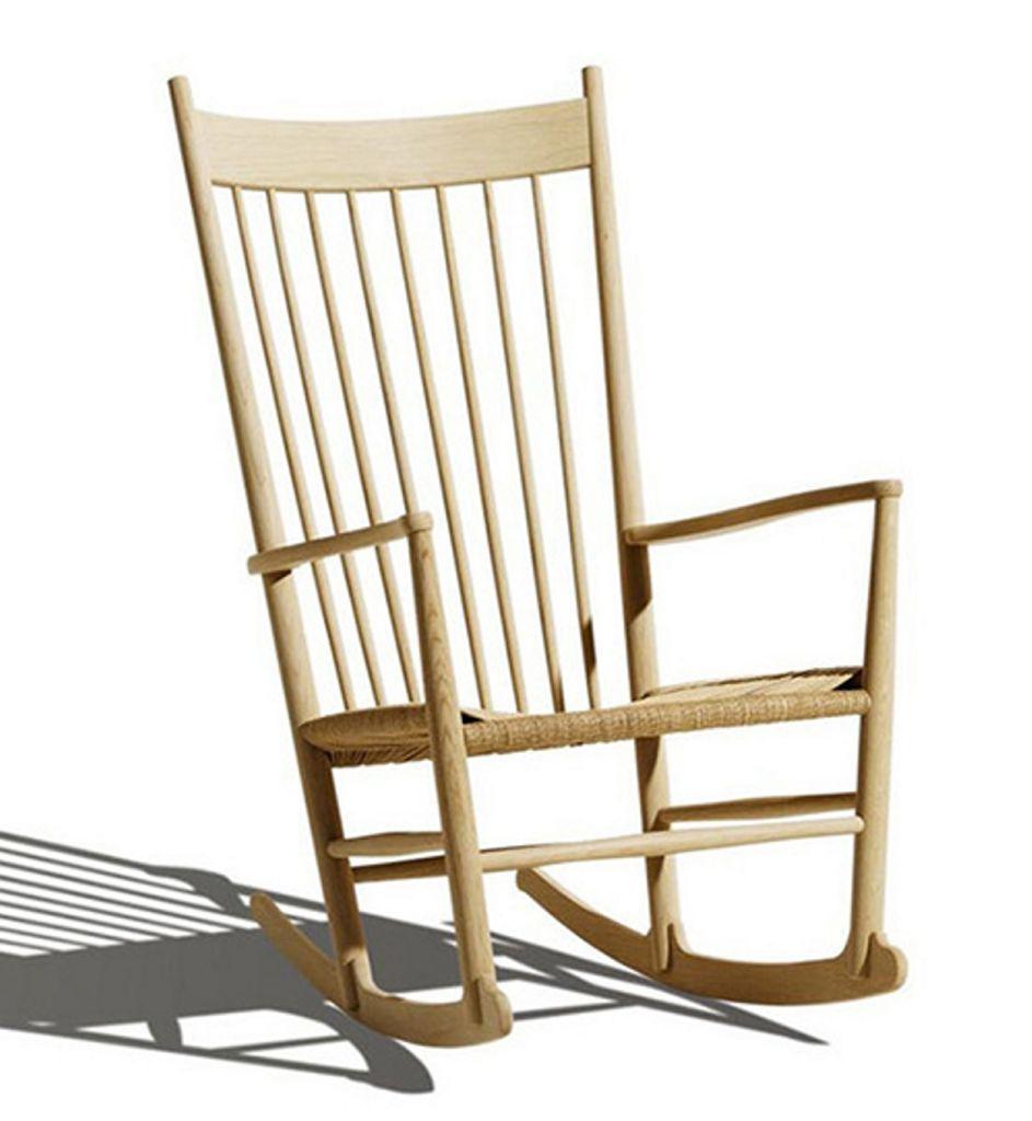 Gyngestol i lakkert bøk/natur designet av Fredericia Furniture, Room21.no, kr 12650. Foto: Produsenten