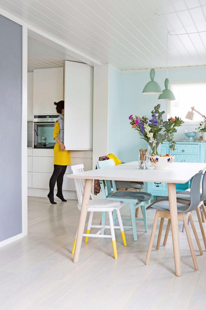 Spisebord i glade farger