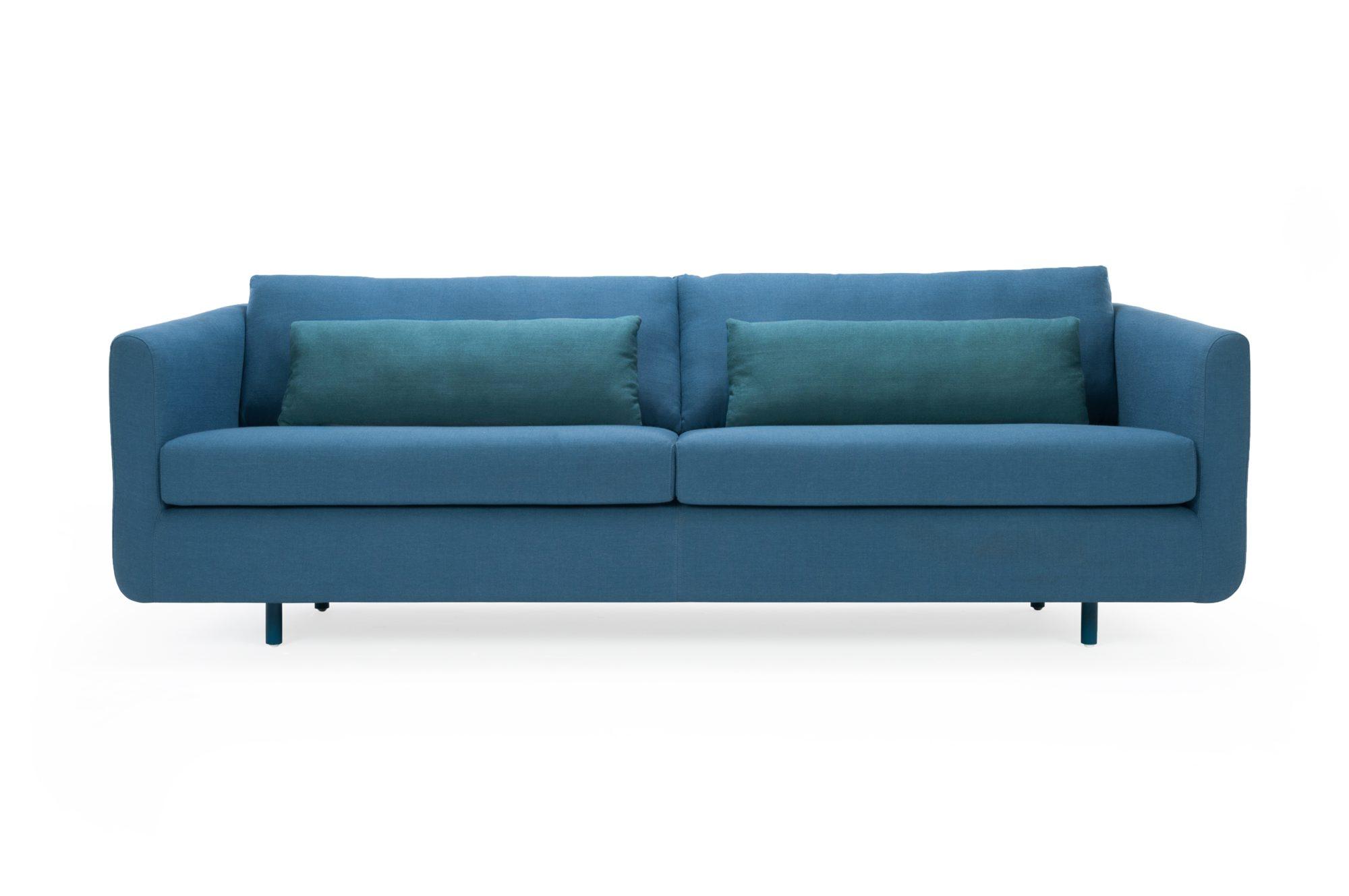 Frederiksberg sofa i stoffet Dina Blue, kr 8999, sofacompany.com.