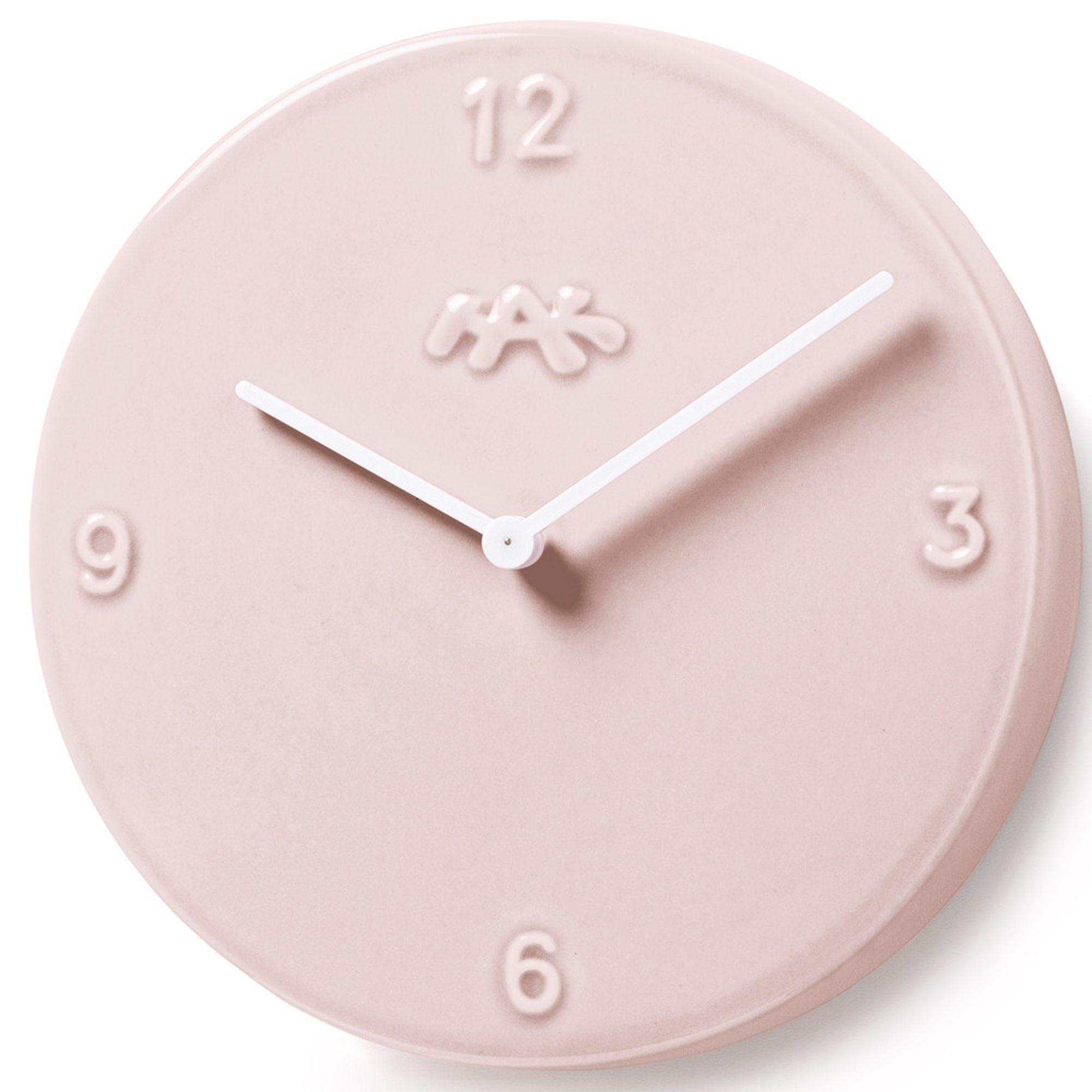 Rosa er ifølge Fargerike neste års store trendfarge - kanskje du skal starte med en klokke? Kr 649, Ting