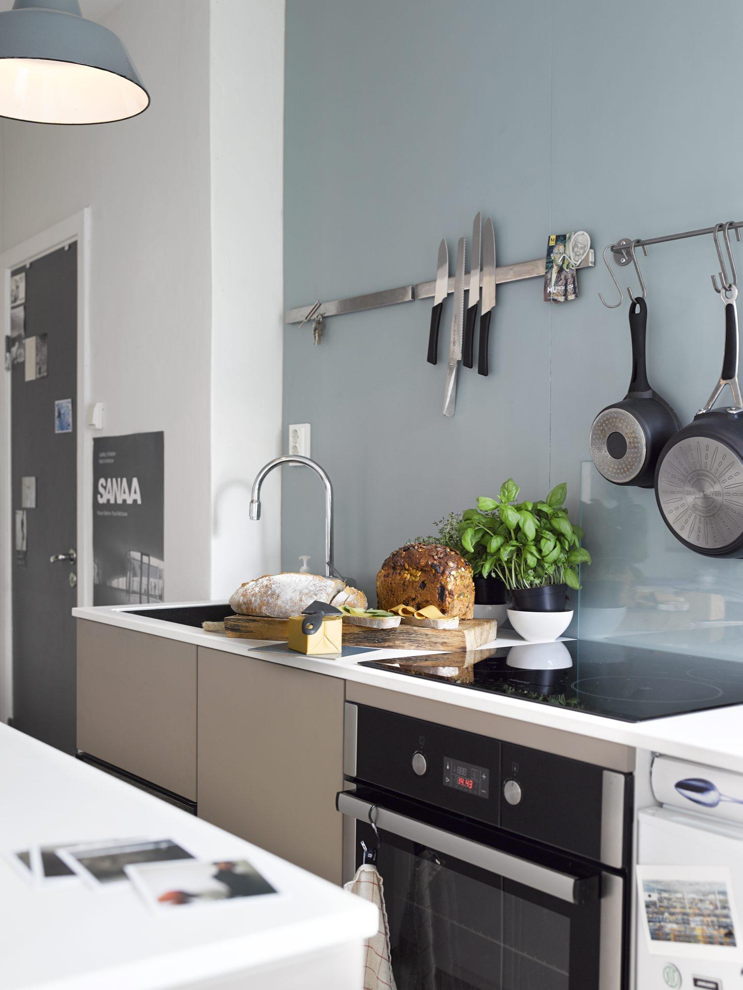 turkis vegg på kjøkken