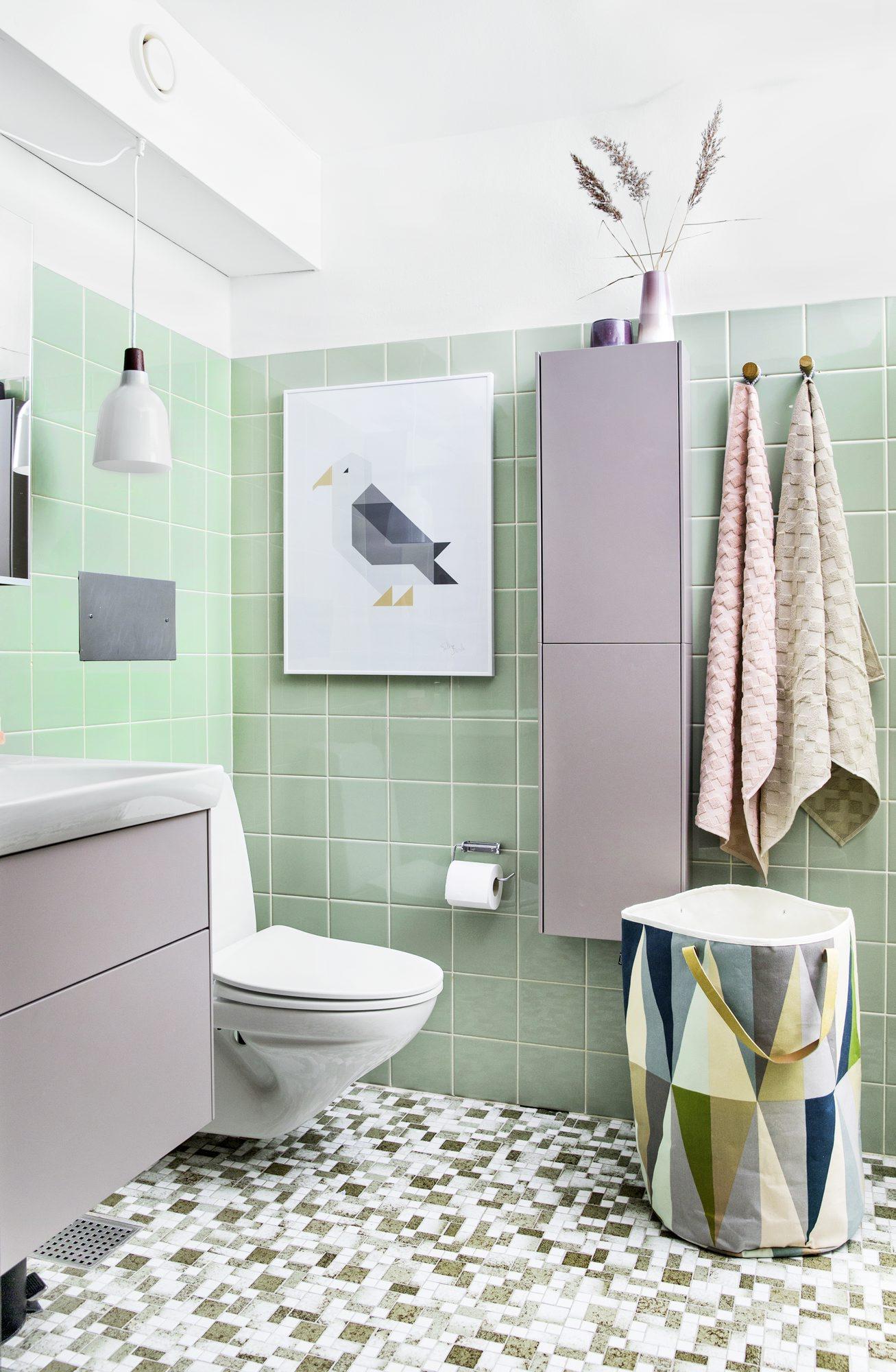 Etter oppussingen ble det straks mye mer innbydende på badet til Lotte. FOTO: Tia Borgsmidt