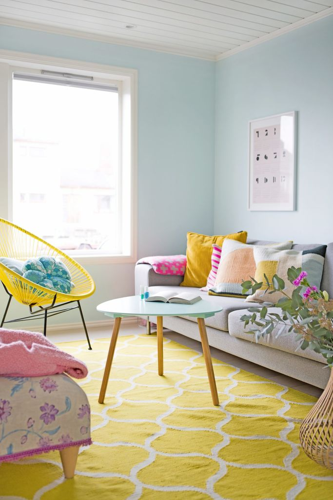 Stue i glade farger