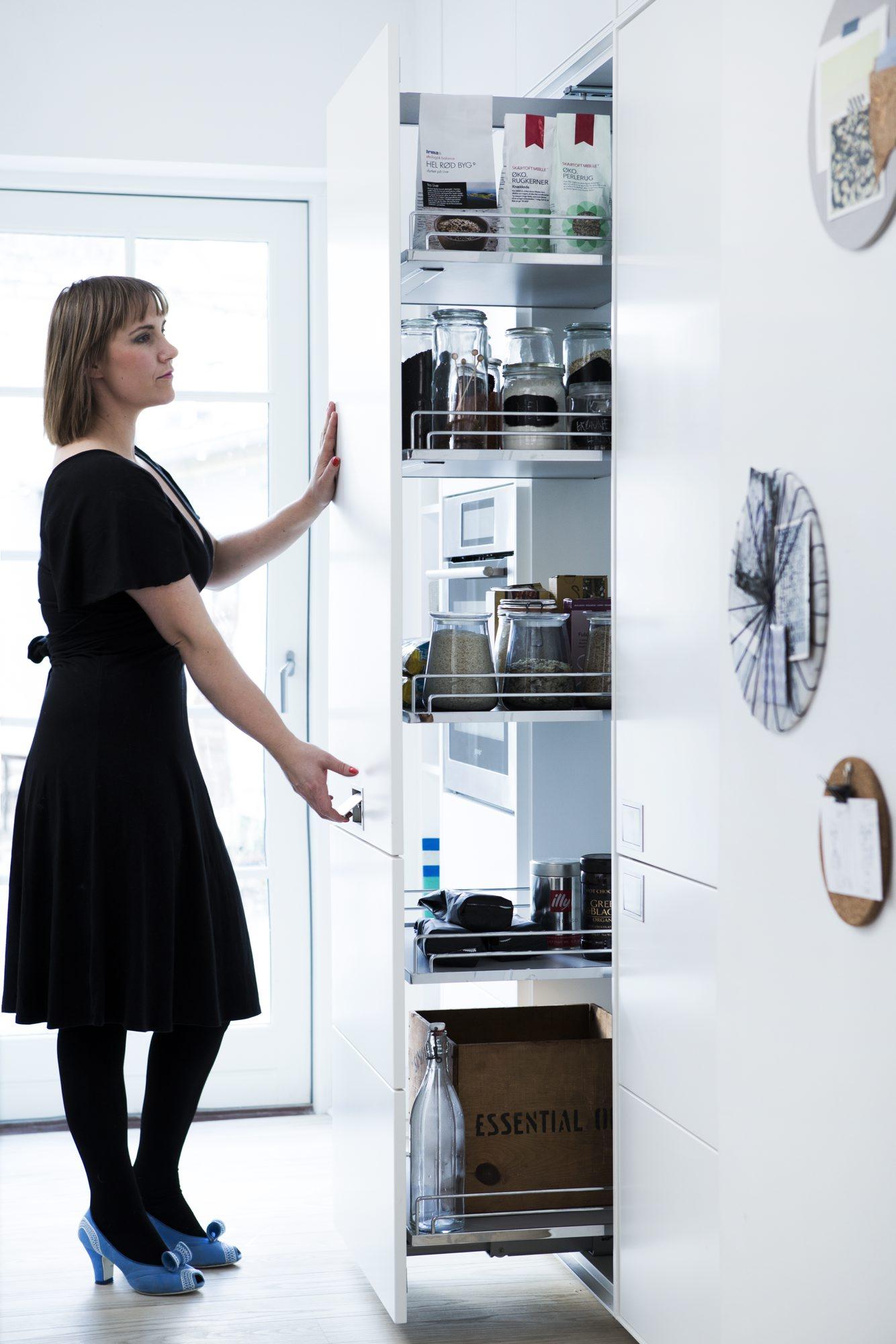 smarte tips til kjøkkenet skuffer istedenfor hyller