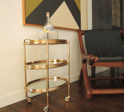 Oval bartralle fra ebay med detaljer i gull. Pris 445 dollar, omkring 3900 norske kroner.