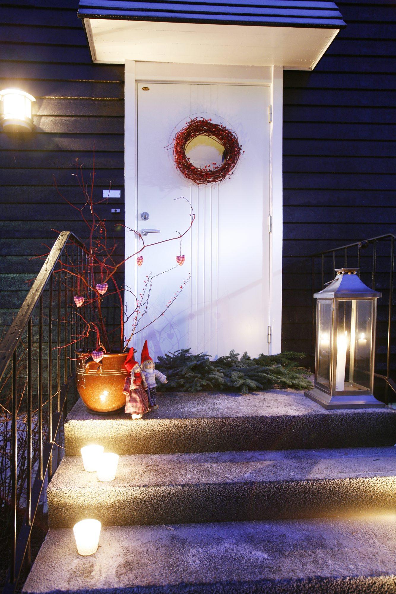 Jul utenfor inngangsdøren