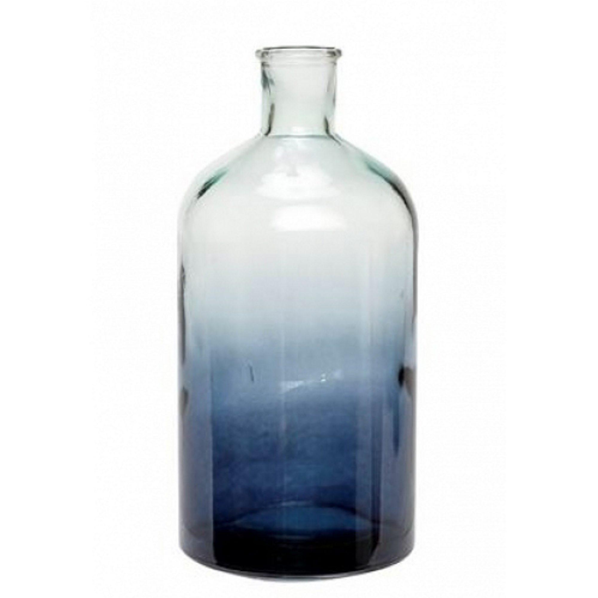 Glassvase i blå sjatteringer , Ø 12 x h 22cm, kr 249, Hubsch.
