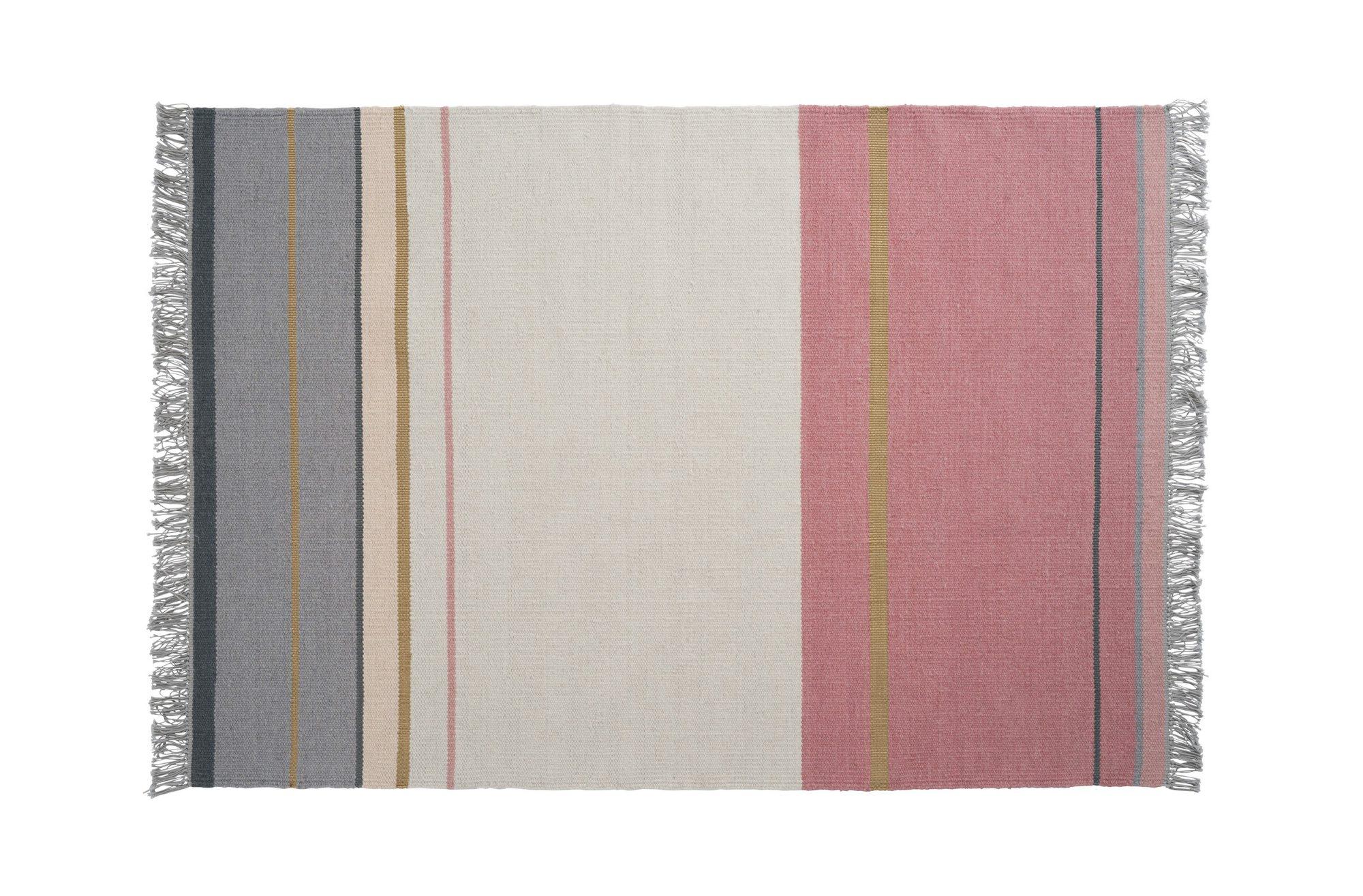 Dette nydelige teppet vil passe godt hvor som helst. 80 x 150 cm. Kr 875, verket interiør.