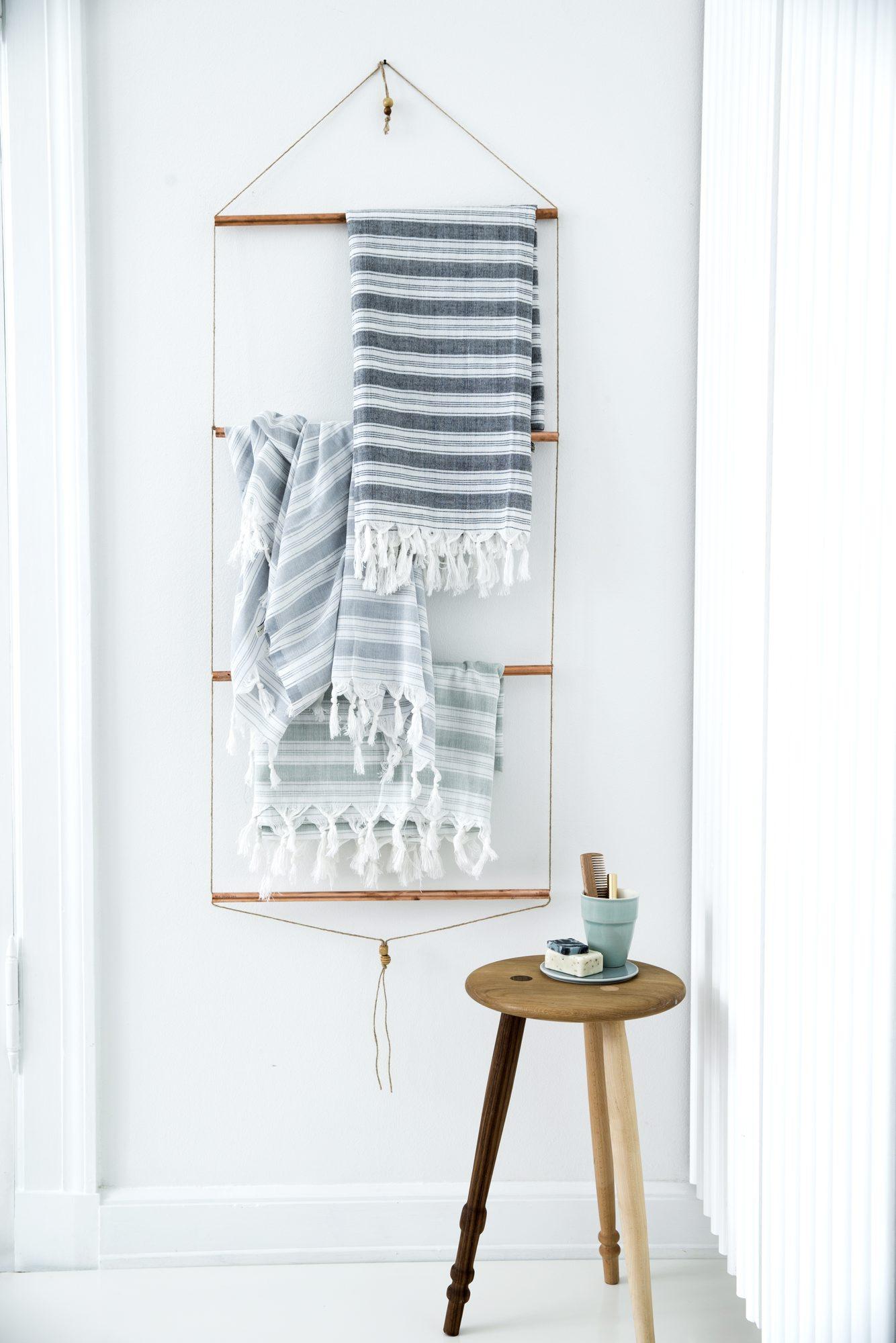 DIY håndklehenger av kobberrør